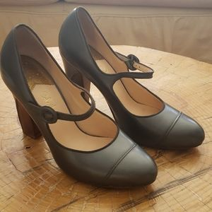 Cole Haan Patent Leather Gray sz 9.5 Heels